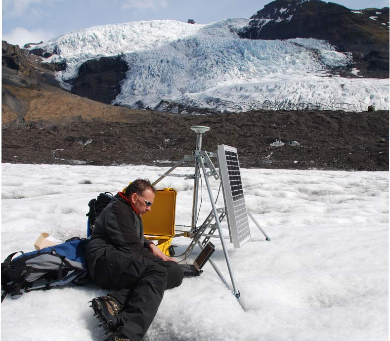 Installation of on-ice satellite positioning system