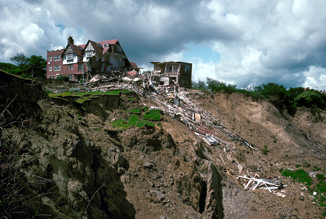 View of the Holbeck Hall Hotel and the top of the landslide.