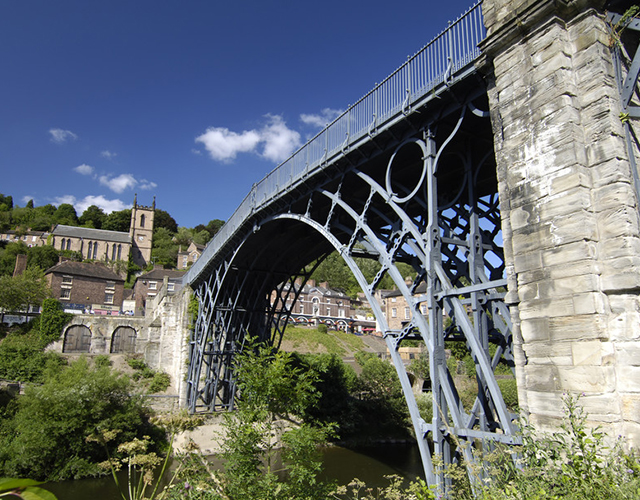 The Iron Bridge, Shropshire. Photograph taken in 2003 (P626433).