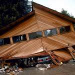 Damaged building following earthquake