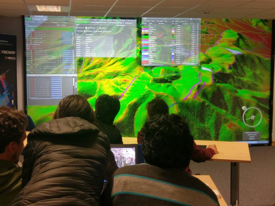 The BGS immersive 3D Visualisation Facility in Keyworth: Chilean geologists engaged in Virtual field reconnaissance the Ovalle region of Chile