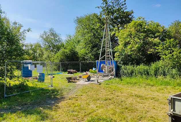 Borehole being drilled using cable percussion technique. BGS © UKRI.